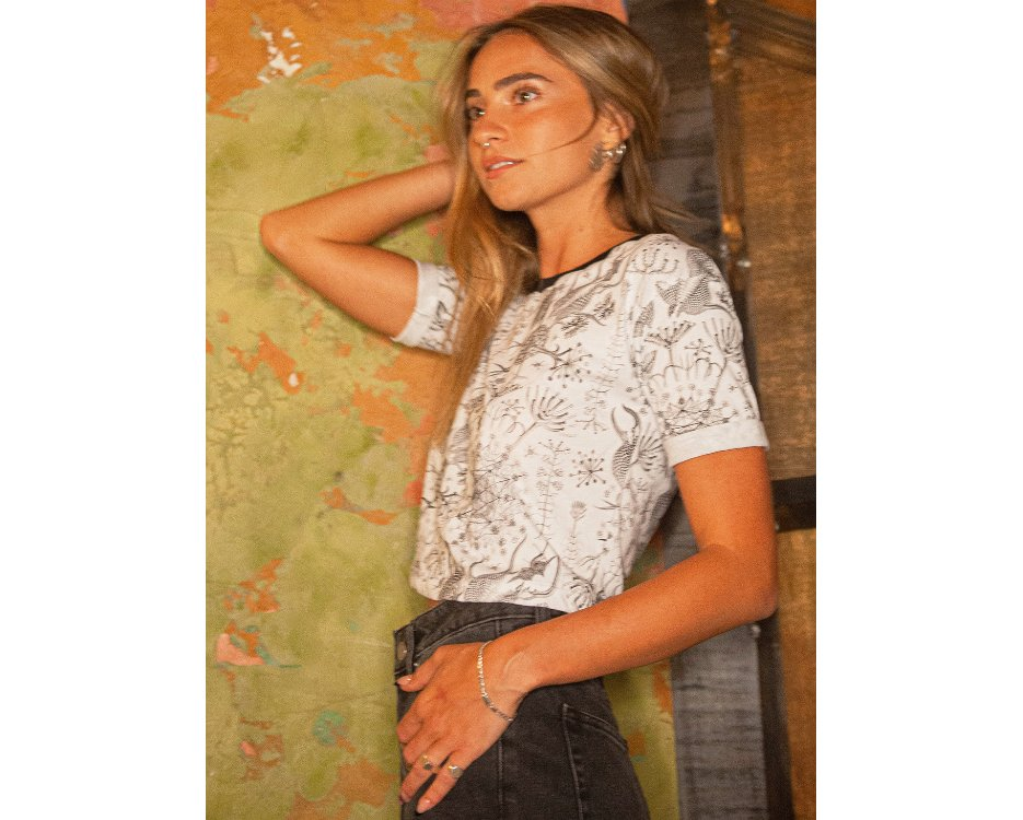 women psychedelic crop top in dirty white